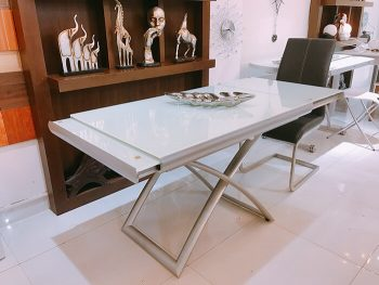 Mẫu thiết kế bàn ăn kéo dài 2 bên